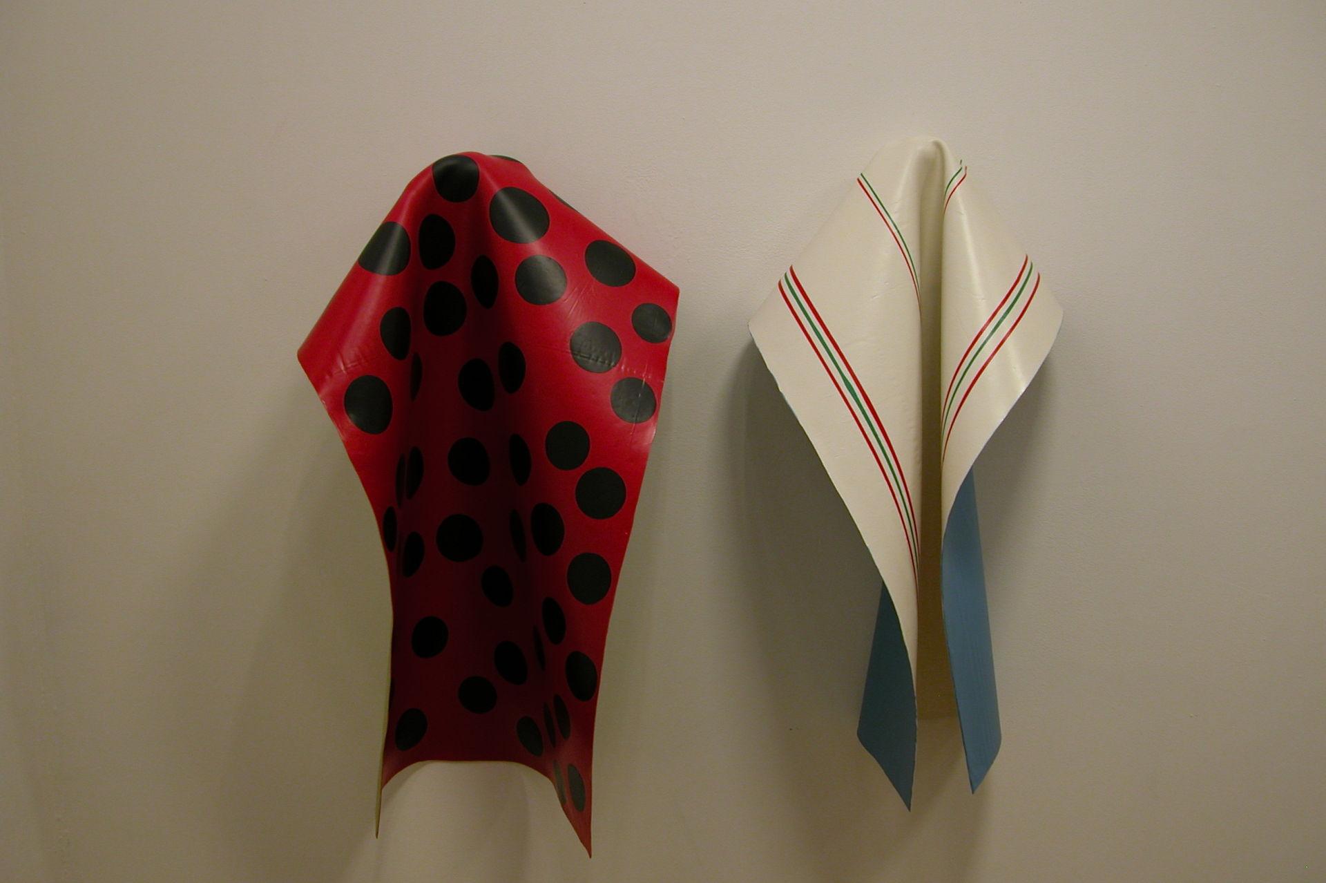 Laurence Papouin, Peintures suspendues, peinture acrylique, 2004